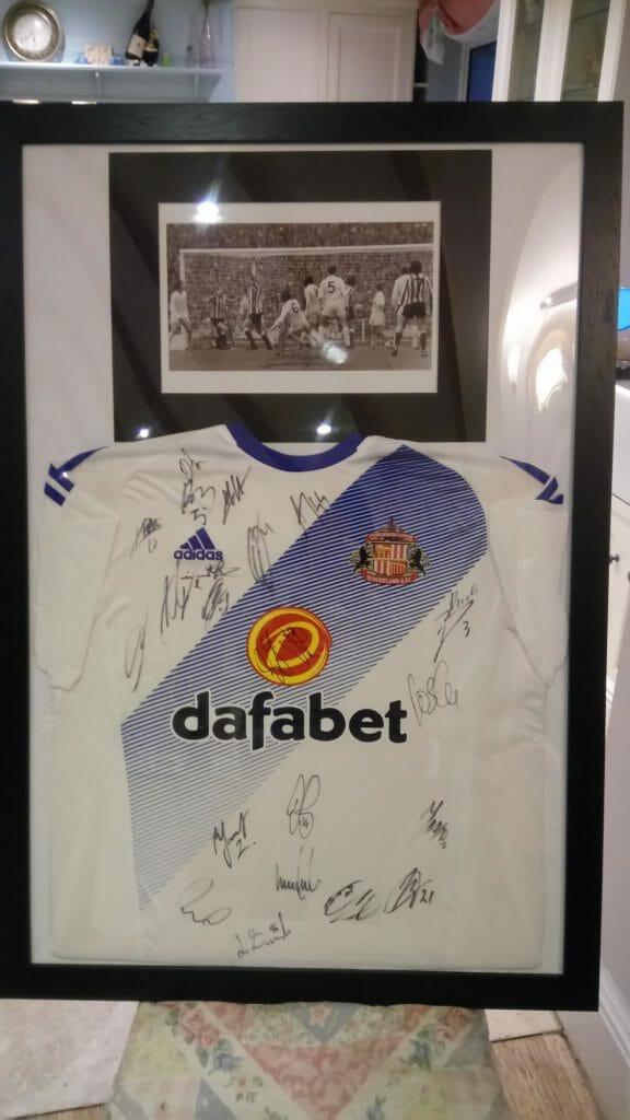 CHECT photo - signed Sunderland shirt